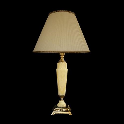 Настольная лампа из камня НК-О-12 Белый оникс
